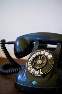 携帯あるけど固定電話はやっぱり必要!ひかり電話でお得に持とう